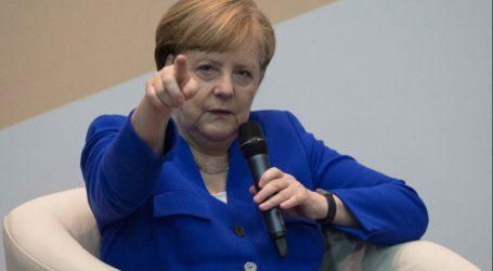 Die Zeit: Έδωσε χρέος για να πάρει προσφυγικό η Μέρκελ;
