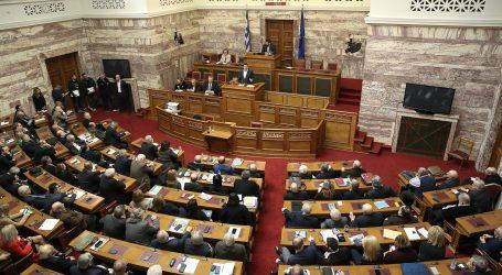 Τσίπρας και Μητσοτάκης διασταυρώνουν τα ξίφη τους στη Βουλή για τη συμφωνία του eurogroup