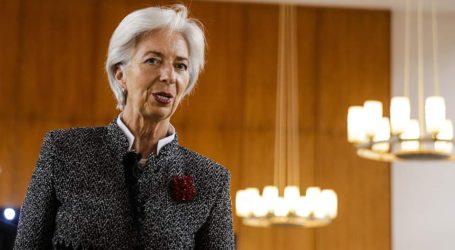 «Αποχωρεί προσωρινά» από επικεφαλής του ΔΝΤ η Κριστίν Λαγκάρντ