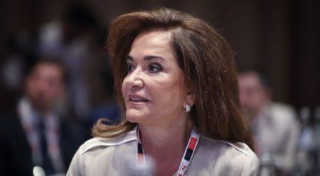 Γιατί η Ντόρα δεν προτάθηκε ούτε για επικεφαλής της Επιτροπής Εξωτερικών και Άμυνας