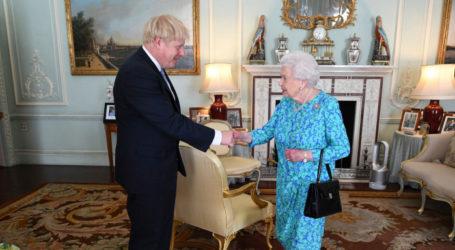 Ο Τζόνσον αρνείται ότι παραπλάνησε τη βασίλισσα Ελισάβετ για το κλείσιμο της Βουλής