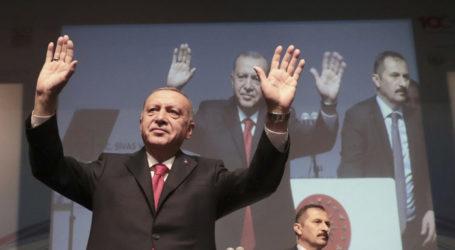 Ερντογάν στο Reuters: Στήριξη από την ΕΕ ή ανοίγουμε τις πύλες να πάνε οι πρόσφυγες όπου θέλουν