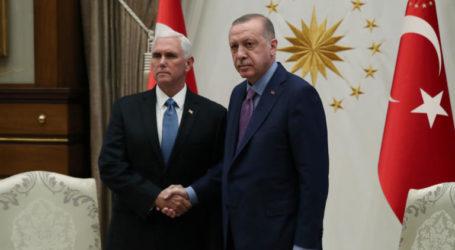 Ούτε ψύλλος στον κόρφο τους! «Κόβουν» το αίμα τα παγωμένα βλέμματα που αντάλλαξαν Ερντογάν – Πενς