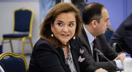 Μπακογιάννη για Τσίπρα: θα ήταν κωμικό να πάει μέχρι την πρεσβεία