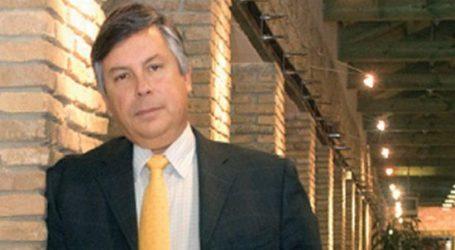 Jumbo: Γιατί ανακατεύει τώρα την «τράπουλα» και προκαλεί ο Βακάκης