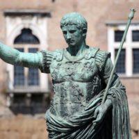 Φωτογραφίες: Πώς θα έμοιαζαν σήμερα βασιλιάδες και βασίλισσες του παρελθόντος
