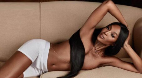 Ναόμι Κάμπελ: Η «μαύρη γαζέλα» νικάει τον χρόνο και φωτογραφίζεται topless  στα 50 της